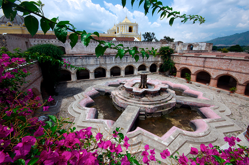 1-patio-de-la-merced-guatemala
