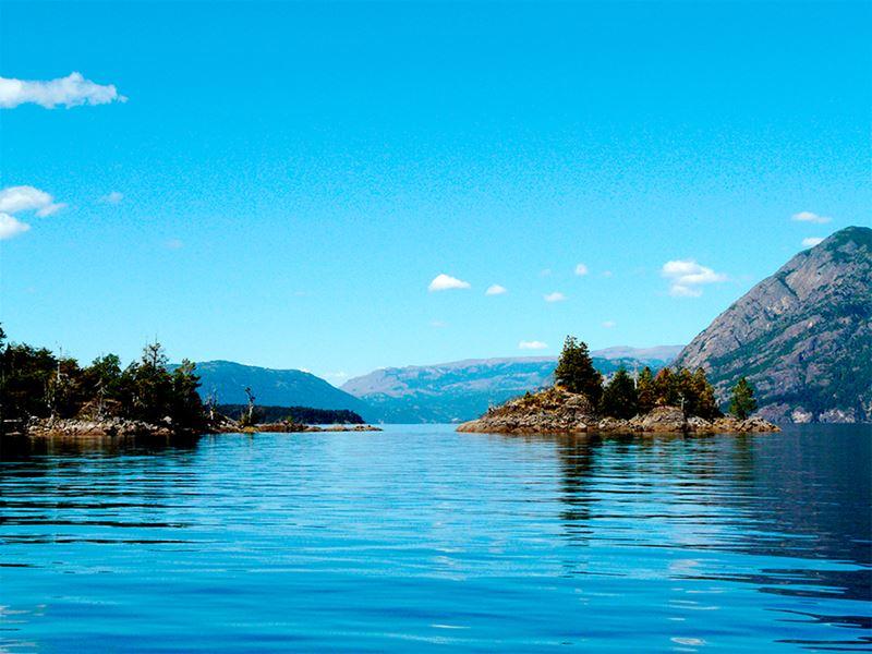 Lago Lácar, em los Andes