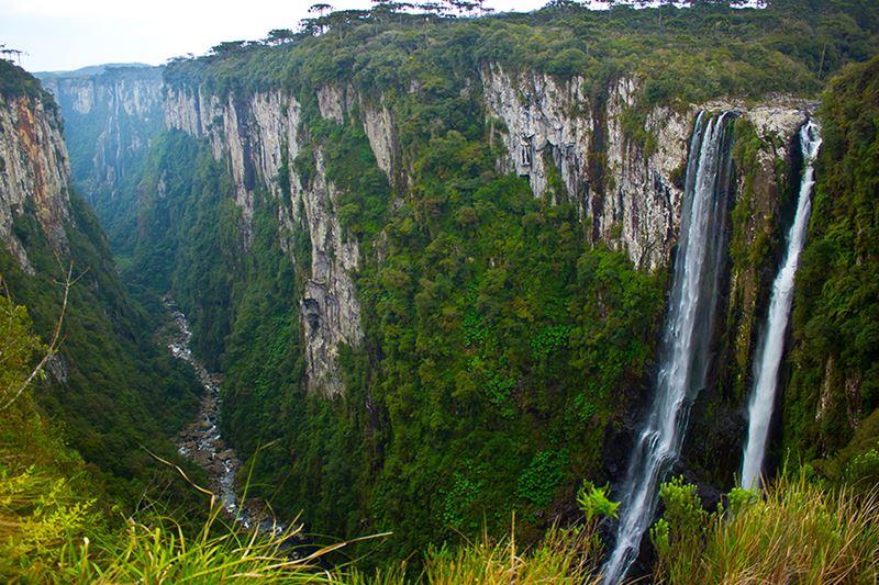 Canion Itaimbezinho no Refúgio Ecológico Pedra Afiada