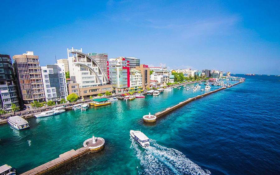 Entrada da cidade de Malé, Ilhas Maldivas