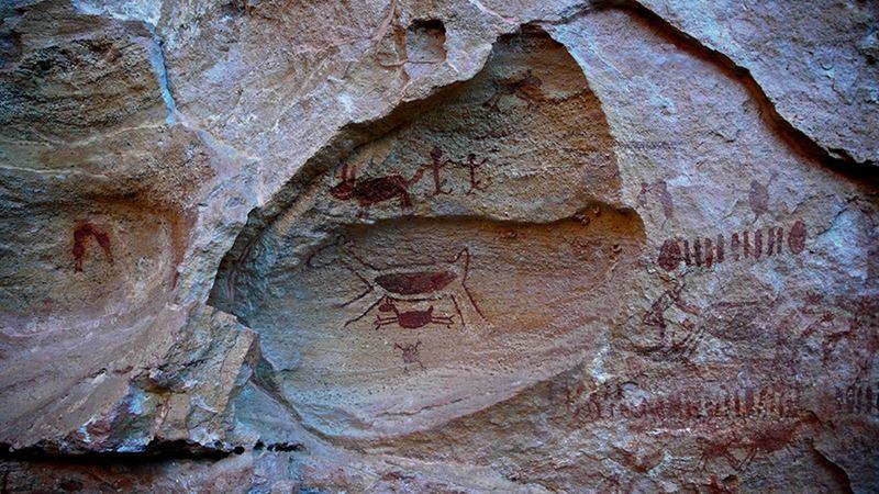 Pinturas rupestres nos sítios arqueológicos do Parque Nacional Serra da Capivara