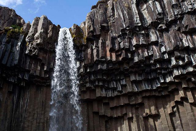 11-cachoeiras-svartifoss