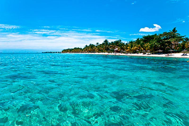 Praia nas Ilhas Mauritius, um ótimo lugar para fazer sua Lua de Mel