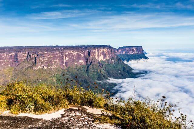 view-from-the-roraima-tepui-on-kukenan-tepui-at-the-fog-venezuela-latin-america