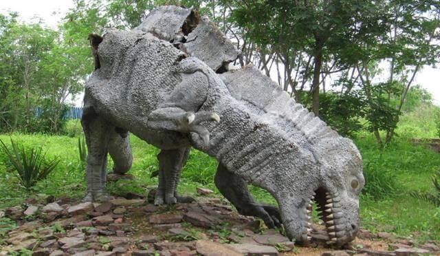 réplica de dinossauro