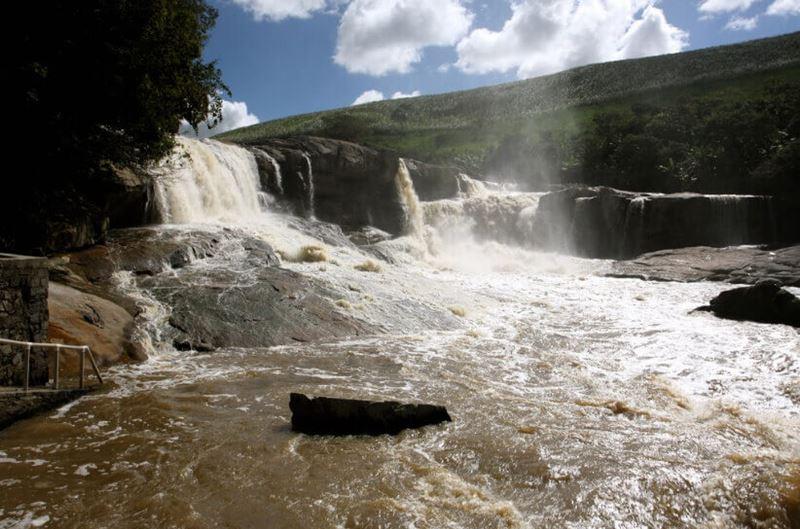 Parque Estadual Ecoturísticos pela cachoeira do Urubu