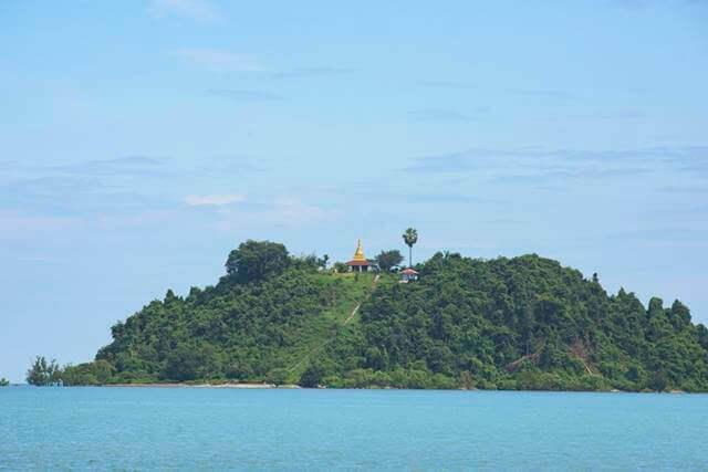 pagoda-on-island-near-myeik-in-myanmar