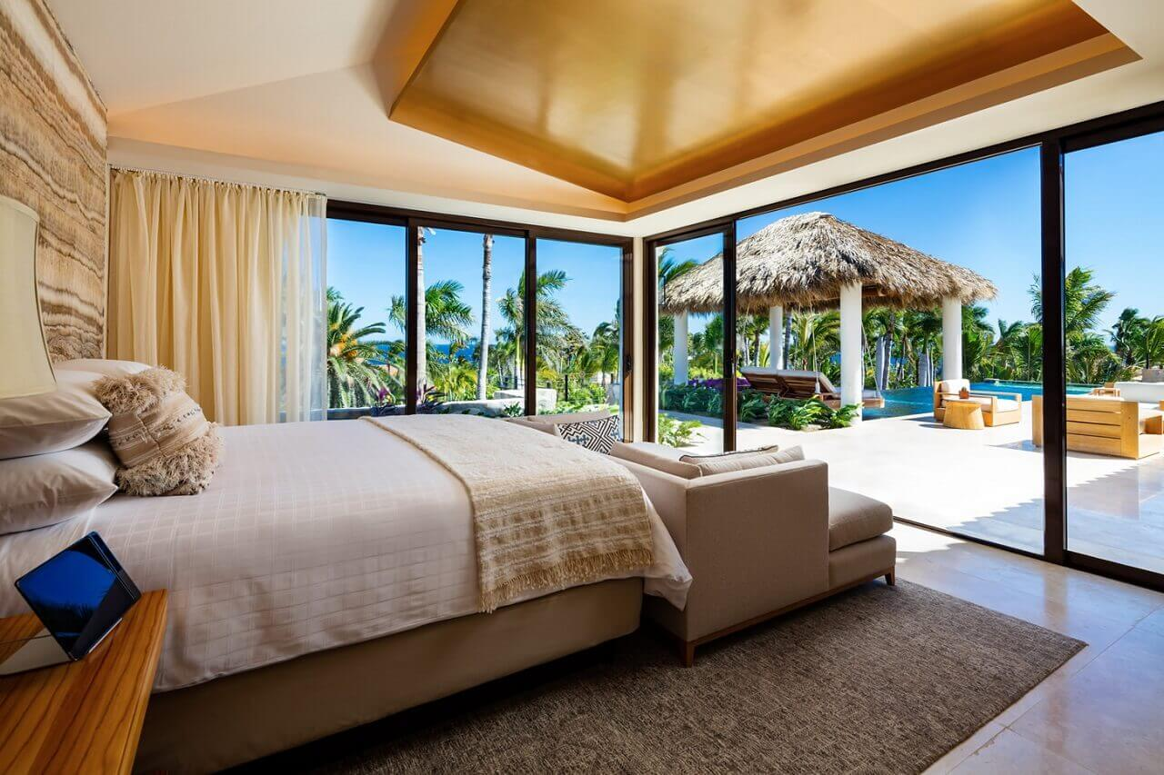 oneandonly_palmilla_accommodation_villaone_masterbedroom_002_mr