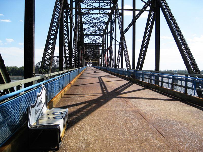 Rota 66, ponto histórico Chain of Rocks Bridge