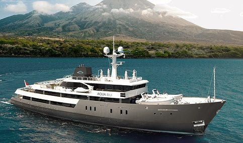 aquablu-exterior-aqua-expeditions
