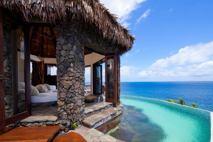exotic-outdoor-infinity-pool-villa-holiday-rental