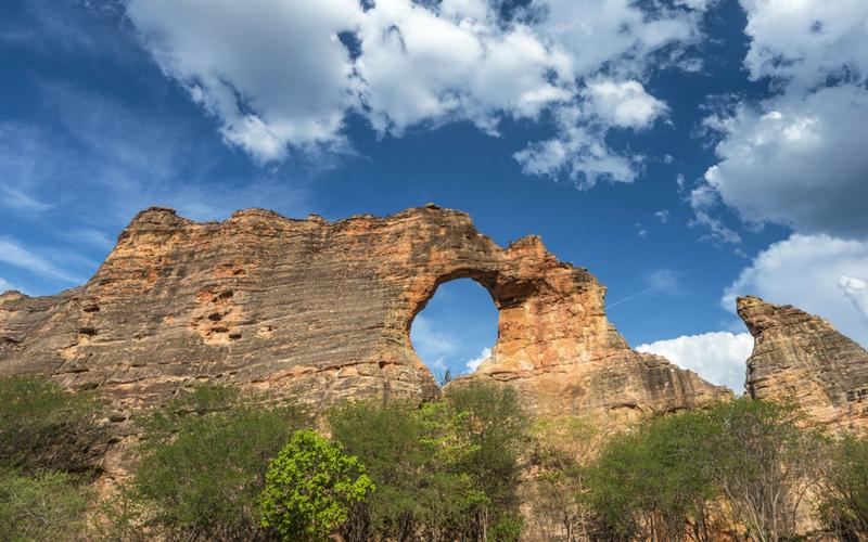 Serra da Capivara, um dos lugares para visitar mais inusitados do Brasil