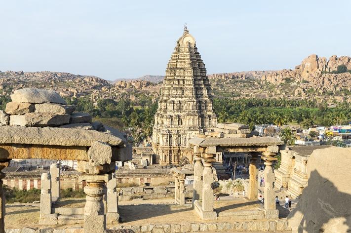 virupaksha-temple-hampi-karnataka-india