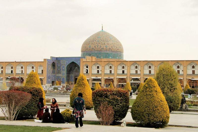 É proibido consumir bebida alcoólica no Irã, conhecendo e aprendendo as leis do mundo