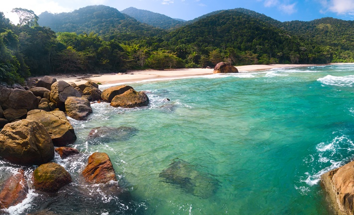tropical-beach-panoramic