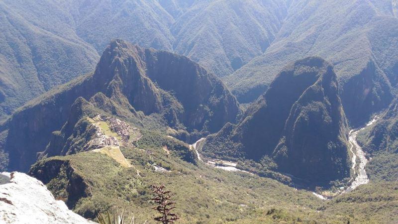 Vista do Topo da Montanha de Machu Picchu, uma das experiências com nossa gestora de marketin, Ge Barconi