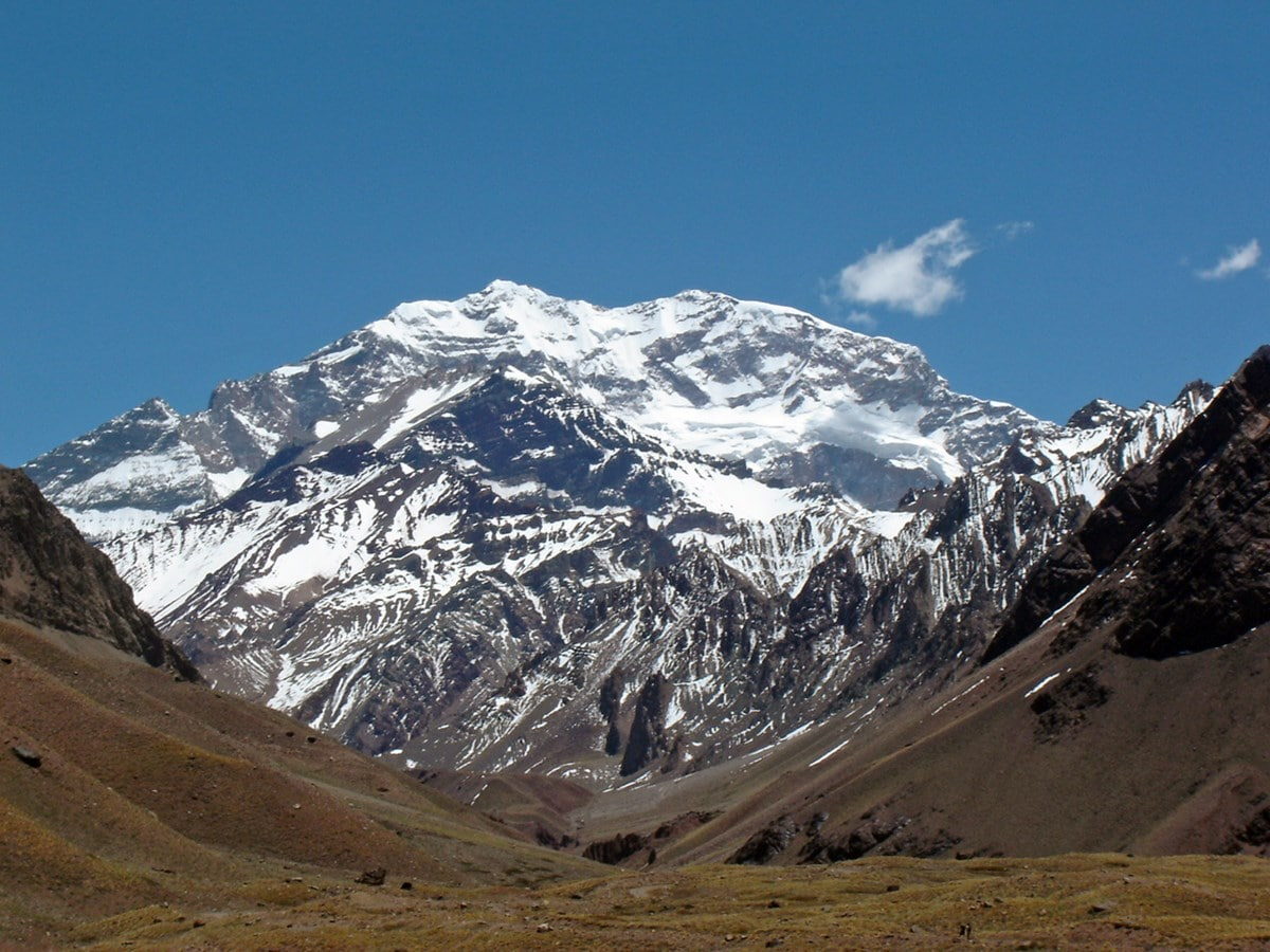 15-hiking-at-aconcagua-1-min