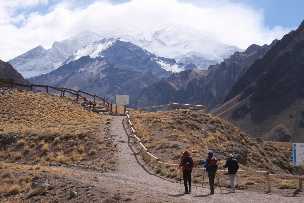 15-hiking-at-aconcagua-2-2-min
