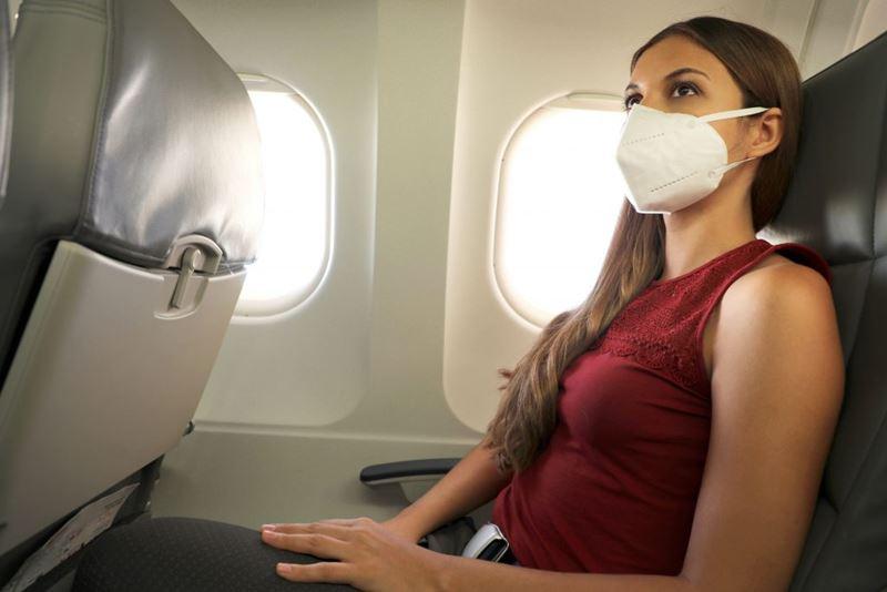 Obrigatório o uso de máscaras durante voo em avião em meio a pandemia de Covid-19