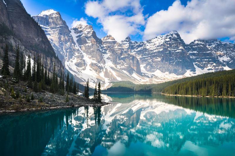 Montanhas Rochosas no Canadá um dos roteiros de motorhome para fazer depois da pandemia